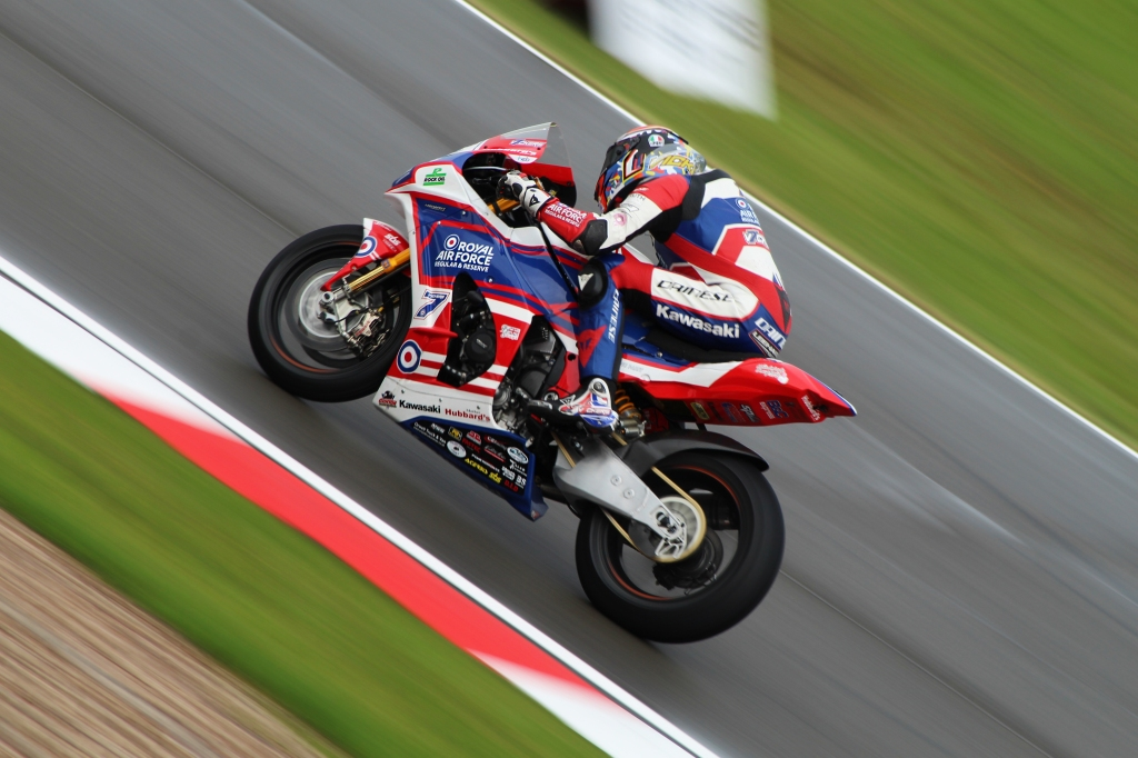 Ryan Vickers powers away from the Fogarty Esses on his Kawasaki Ninja ZX-10RR.